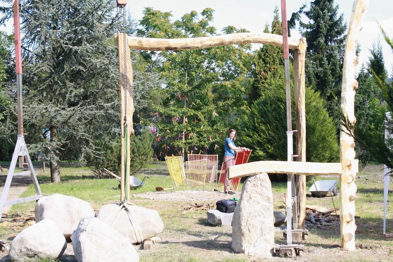 Aufbau Skulpturengarten (2010) Stein-/Holzskulptur: Falco Jahn